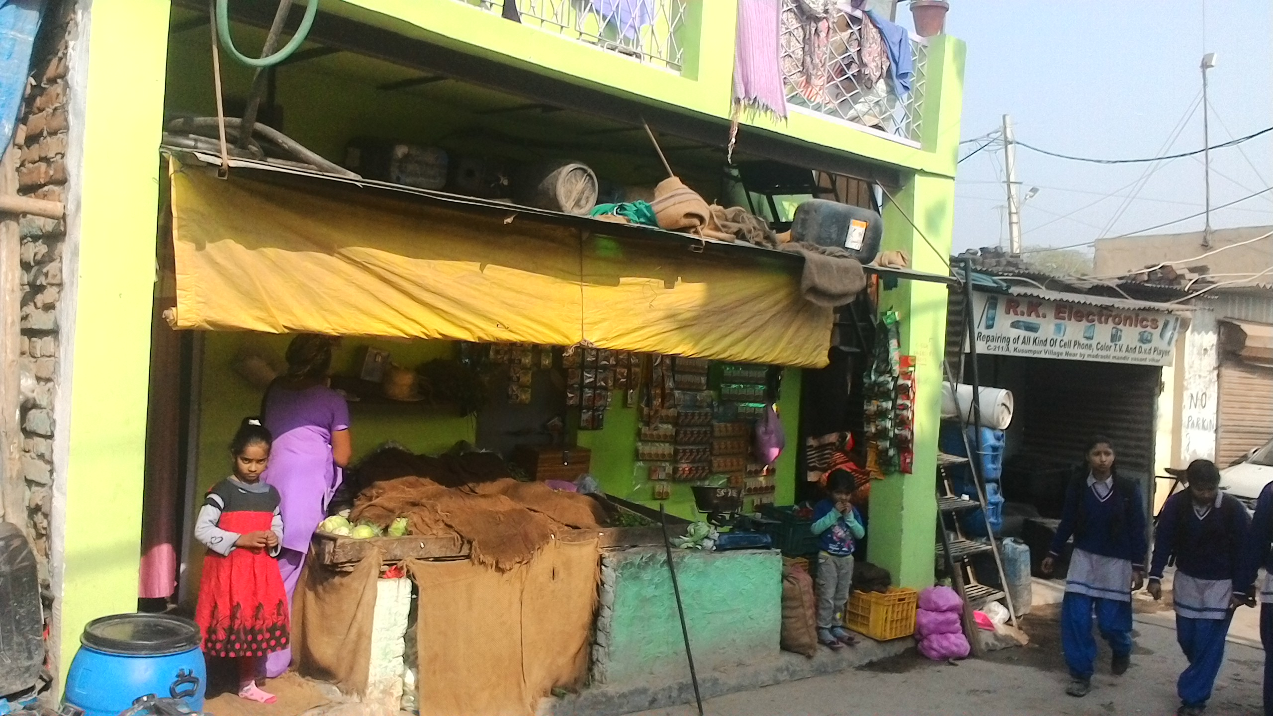 Small shops do not have customers with bank accounts who can make cashless transactions. Credit: Vyom Anil