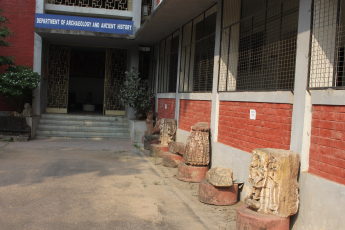 The entrance to the history department in MSU Baroda. Credit: Aashima Dogra