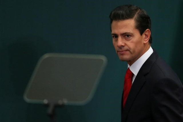 Mexico's President Enrique Pena Nieto takes part during the deliver of a message about foreign affairs at Los Pinos presidential residence in Mexico City, Mexico, January 23, 2017. REUTERS/Edgard Garrido