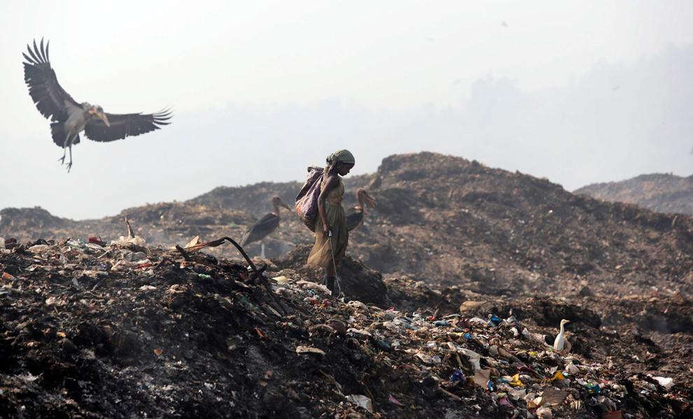 A solid-waste landfill in Guwahati, Assam. Credit: jordibernabeu/Flickr, CC BY 2.0