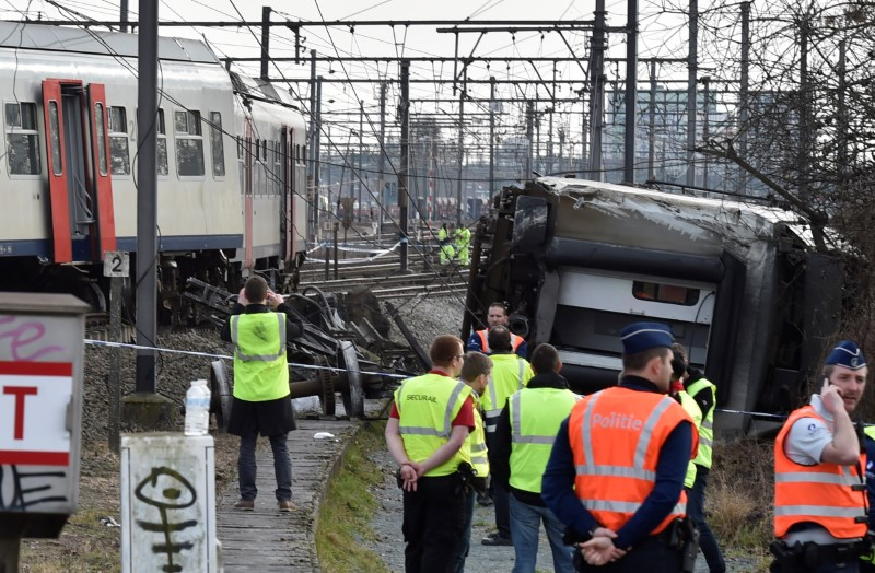 One Killed, 27 Hurt As Train Derails in Belgium