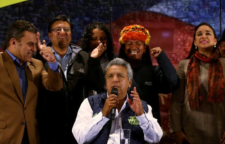 Lenin Moreno (C), presidential candidate of the ruling PAIS Alliance Party, gives a news conference accompanied by candidates for Ecuador's Assembly in Quito, Ecuador, February 20, 2017. Credit: Mariana Bazo/Reuters