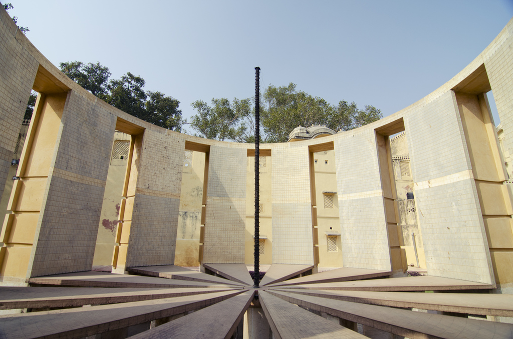 An area of concern is the tendency to not view science education and research from a comprehensive, holistic perspective, which reflects in funding allocations. Above: Jantar Mantar, New Delhi. Credit: Terry Presley/Flickr, CC BY 2.0