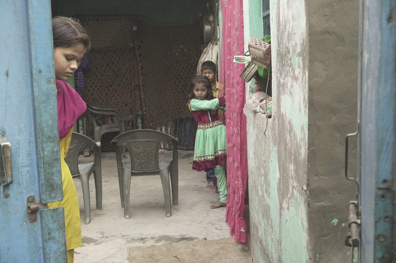 Kamruddin's children Rukhsar and Zahir at their grandmother's place. Credit: Jyotsna Singh