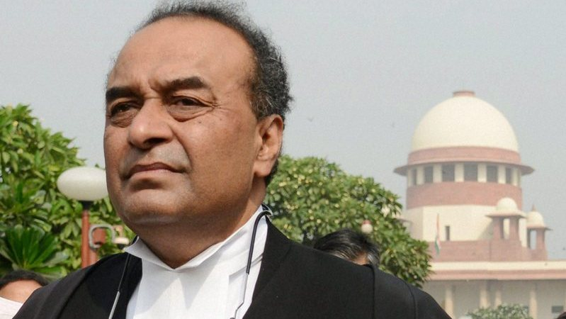 New Delhi : Attorney General Mukul Rohatagi talks to the media at the Supreme Court after a hearing on the black money case in New Delhi on Wednesday. Rohatagi submitted to the court three sets of documents, which reportedly include names of over 600 people who have stashed away ill-gotten wealth in banks abroad. PTI Photo by Subhav Shukla (PTI10_29_2014_000016B)