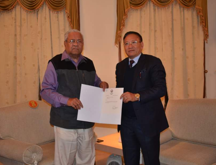 T.R. Zeliang with Nagaland governor P.B. Acharya. Credit: Twitter/WeTheNagas