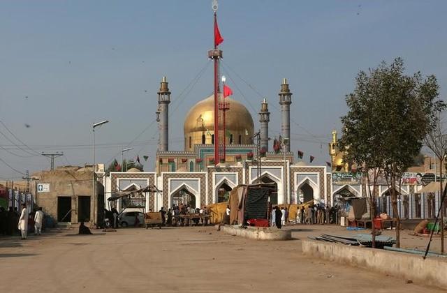 "Pakistan: 100 ""Terrorists"" Killed After Shrine Attack"