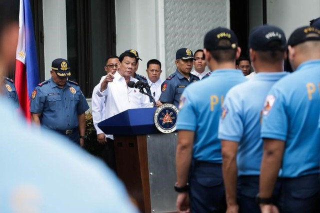 Philippines Dismisses Nearly 100 Policemen For Drug Abuse