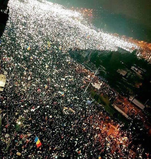 Romania Scraps Decree Decriminalising Graft as Mass Protests Continue