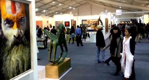 Visitors at the India Art Fair. Courtesy: Riding the Elephant