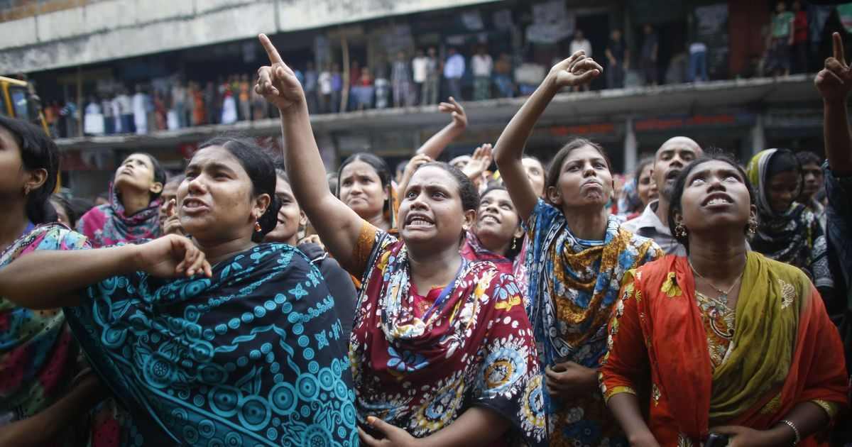 Representative image of protestors demanding a hike in minimum wage in Bangladesh. Credit: Reuters/Andrew Biraj