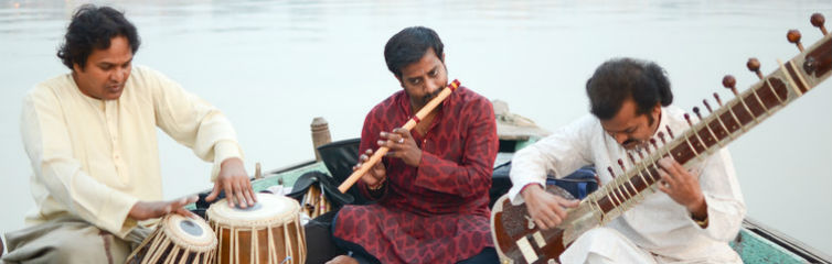 Hindustani classical music played on a river boat in Banaras. Jason Baker/flickr, CC BY-SA