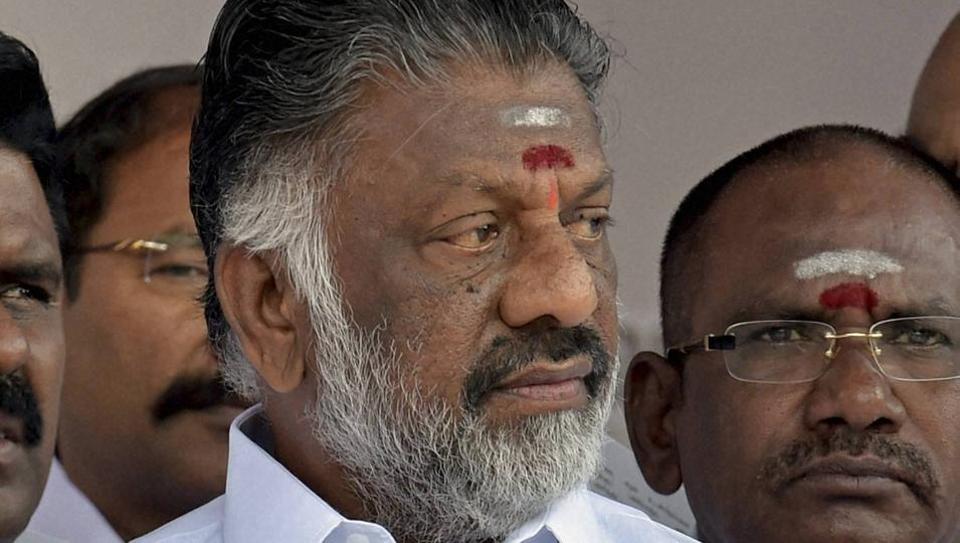 Tamil Nadu: Suspense continues over Sasikala's swearing
