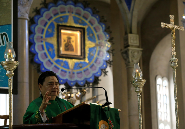 philippines catholic priests