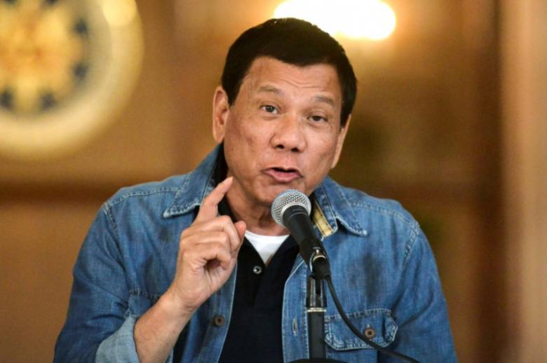 Philippine President Rodrigo Duterte announces the disbandment of police operations against illegal drugs at the Malacanang palace in Manila, Philippines early January 30, 2017. REUTERS/Ezra Acayan