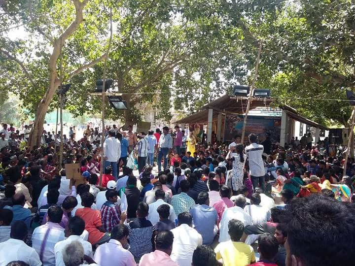 Protestors at a meeting in Neduvasal. Source: Author provided