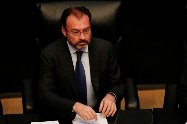 Mexico's Foreign Secretary Luis Videgaray talks to the Senate about the state of US-Mexico relations in Mexico City, Mexico, February 28, 2017. Credit: Carlos Jasso/Reuters