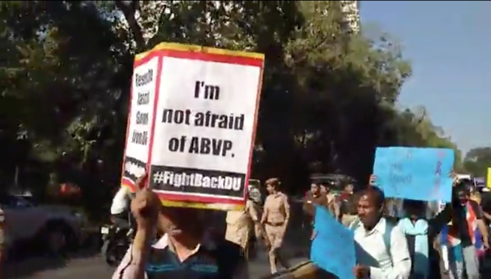 Watch: Citizens March to Parliament in Solidarity With Protesting Students of Delhi University