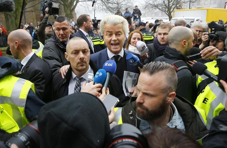 Dutch far right Party for Freedom (PVV) leader Geert Wilders campaigns for the 2017 Dutch election in Spijkenisse, a suburb of Rotterdam, Netherlands, February 18, 2017. REUTERS/Michael Kooren