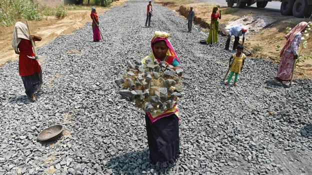 Representative image of MGNREGA workers. Credit: Reuters