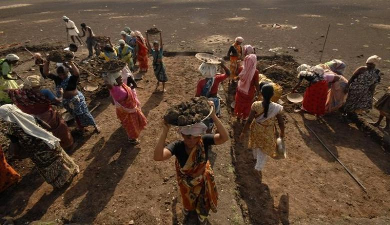 In Blow to Poor, Government Cuts Compensation For Delay in Payment of NREGA Wages