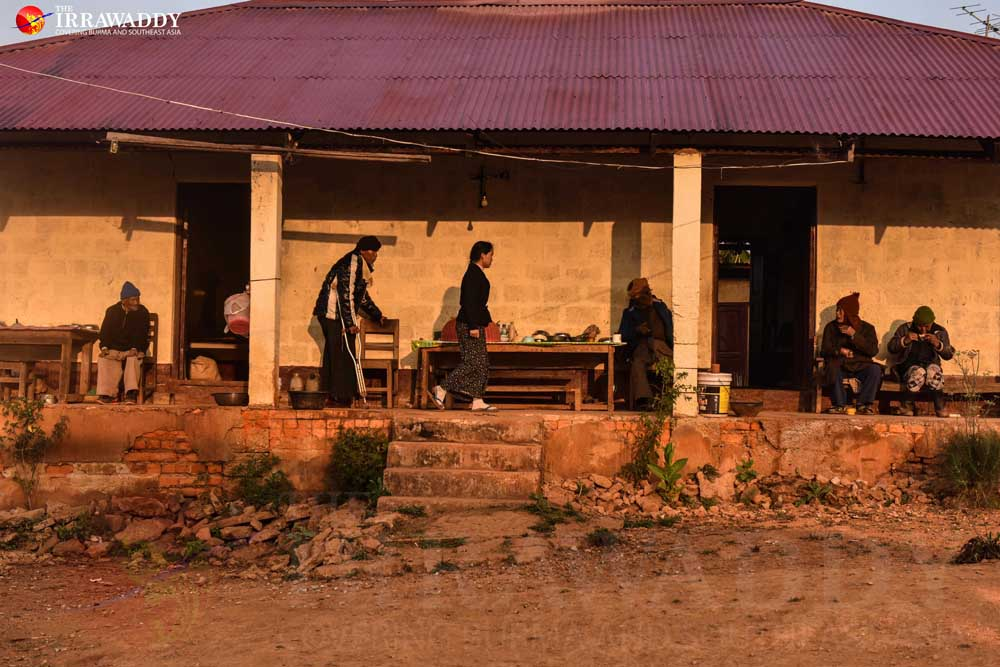 The stronger patients cook for their weaker peers. Credit: Pyay Kyaw/The Irrawaddy