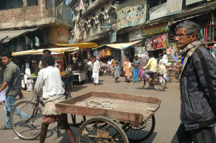 Sadar Chowk, Mau. The weaving community in Mau is largely centred around this area. Credit: Titash Sen
