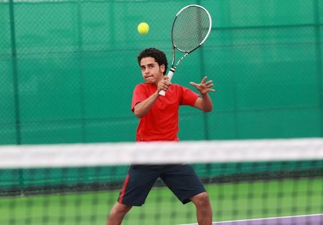 Yemeni Tennis Hopeful Crosses War Zone to Compete