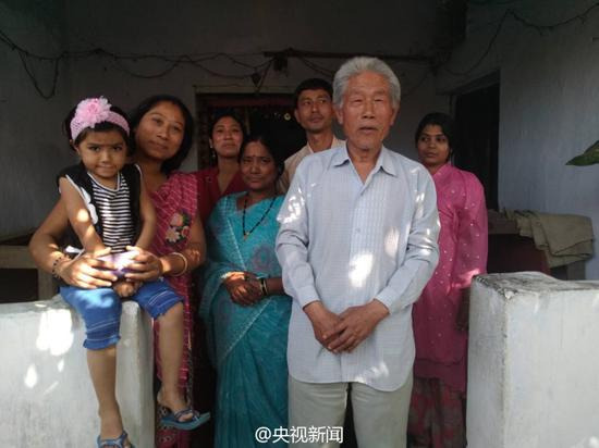 Wang Qi and his family in India. Courtesy: People's Daily, China/Twitter