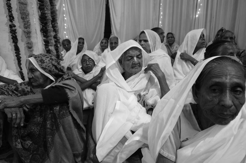 Widows at Vrinvan ashram - Glimpses of their daily life. By Shome Basu 20130202_0035