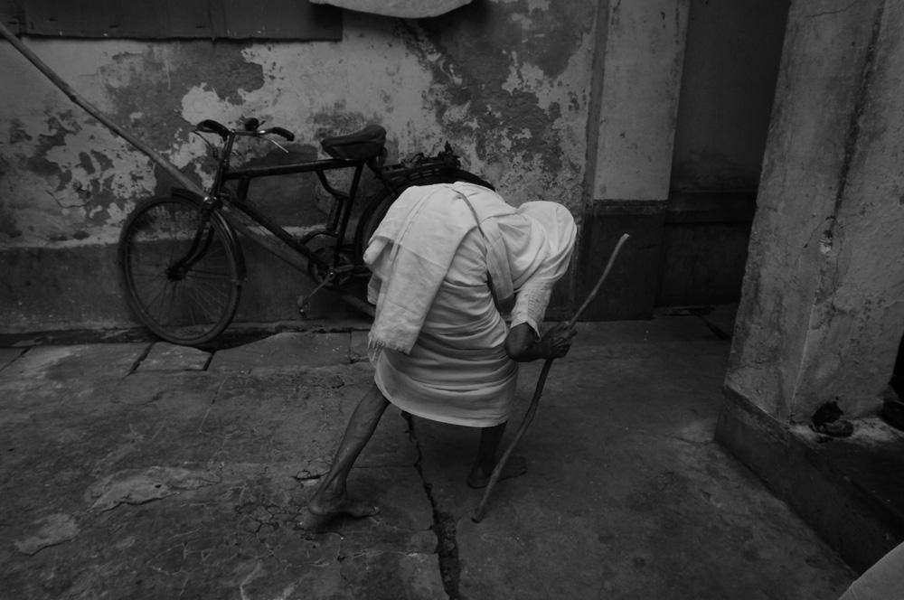 Widows at Vrinvan ashram - Glimpses of their daily life. By Shome Basu 20130202_0054