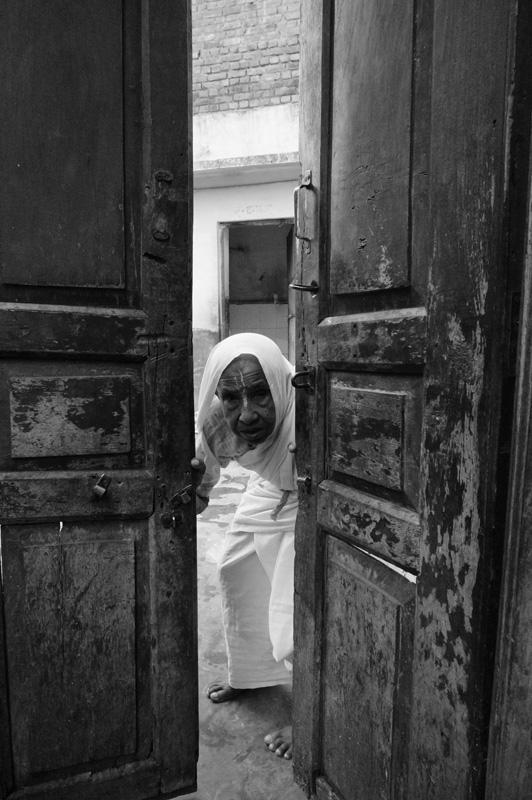 Widows at Vrinvan ashram - Glimpses of their daily life. By Shome Basu 20130202_0057
