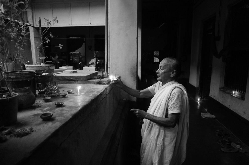 Widows at Vrinvan ashram - Glimpses of their daily life. By Shome Basu 20130202_0077