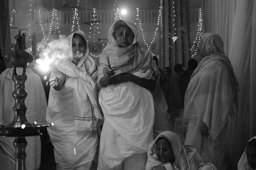 Widows at Vrinvan ashram - Glimpses of their daily life. By Shome Basu 20130202_0092