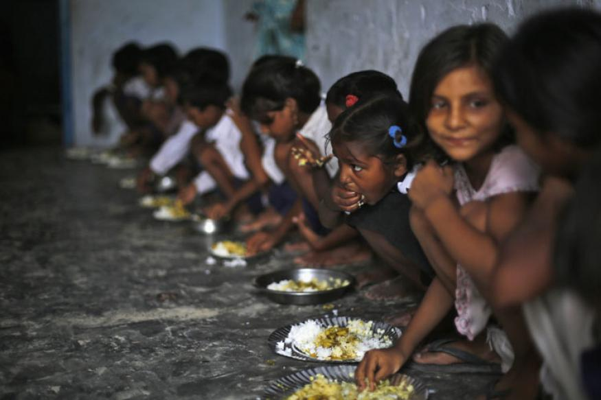 Midday meal scheme in Rajasthan. Credit: Reuters