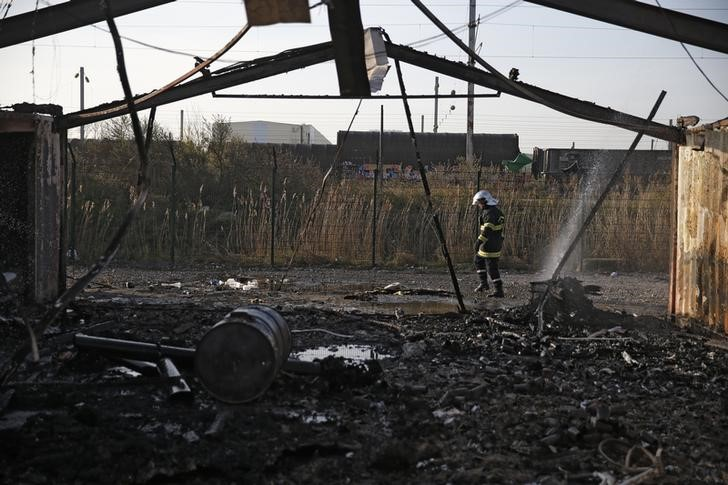 Fire Destroys French Migrant Camp, Leaves Hundreds Homeless