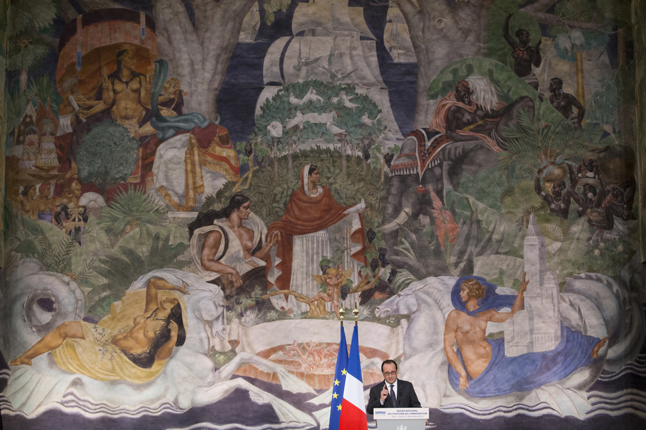 French President Francois Hollande delivers a speech acknowledging the ordeals of former French colonies. Credit: Yoan Valat/Reuters