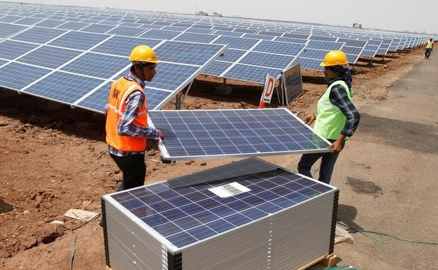 Global Pension Funds Eye India's Growing Solar Power Market