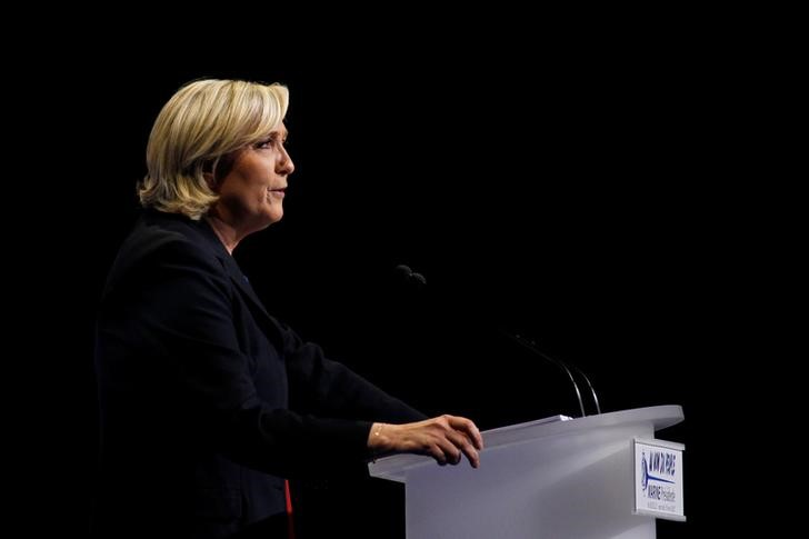 Le Pen: France Must Reinstate Border Checks to Fight 'Islamist Terrorism'