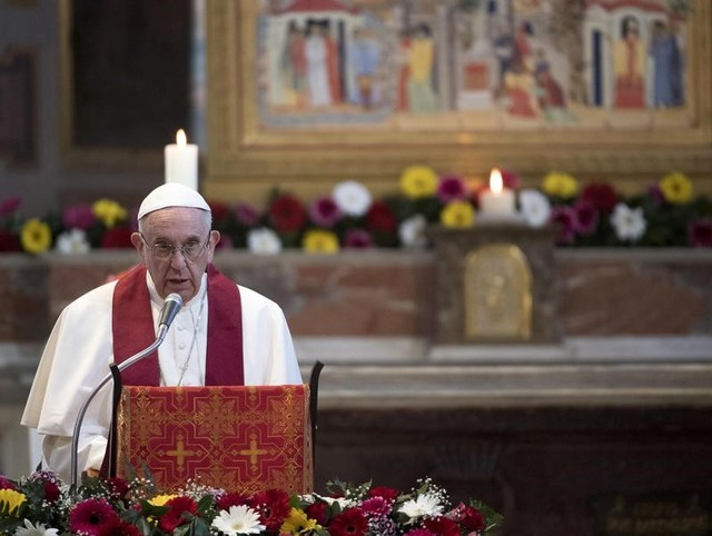Pope Likens Migrant Holding Centres to Concentration Camps