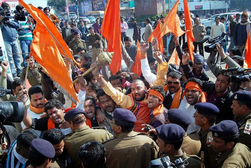 Journalists Detained in Rajasthan While Reporting on Bajrang Dal's Weapons Training Camps