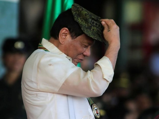 Philippines' Duterte Orders Troops to Occupy Isles in Disputed South China Sea