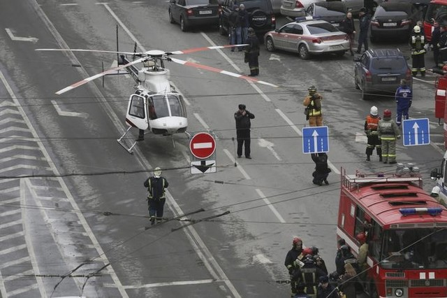 General view of emergency services attending the scene outside Sennaya Ploshchad metro station, following explosions in two train carriages in St. Petersburg, Russia, April 3, 2017. Credit: Reuters