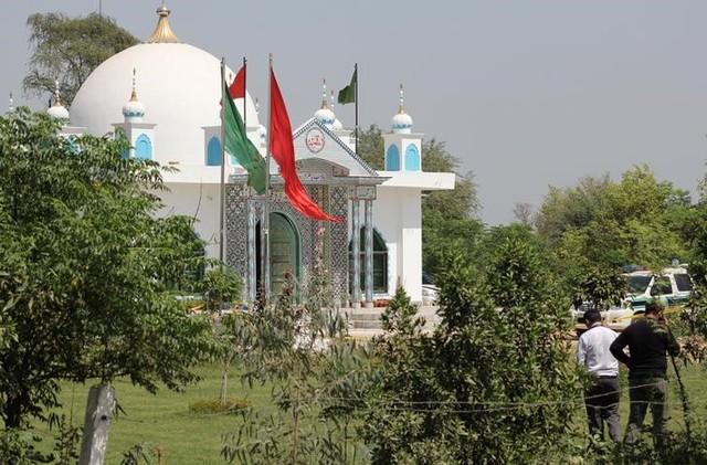 Twenty Tortured, Killed in Attack at Pakistani Sufi Shrine