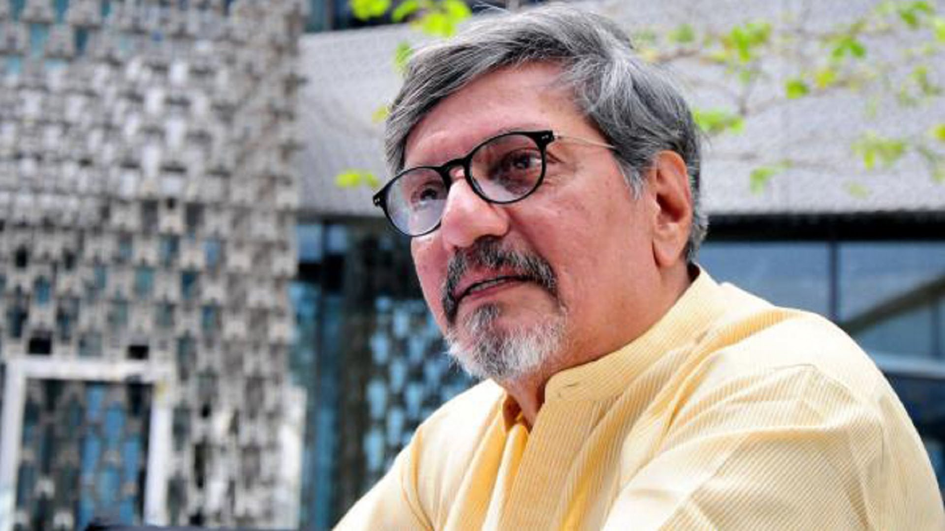 Speech disrupted, Amol Palekar says will question govt NGMA policy change