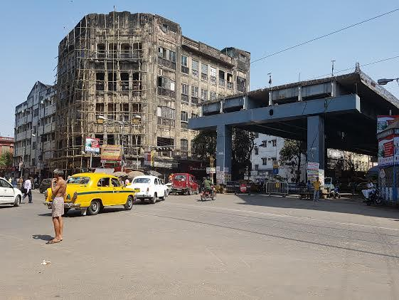 The half-bridge as it stands near Burra Bazaar, Kolkata. Credit: Sohini Chattopadhyay