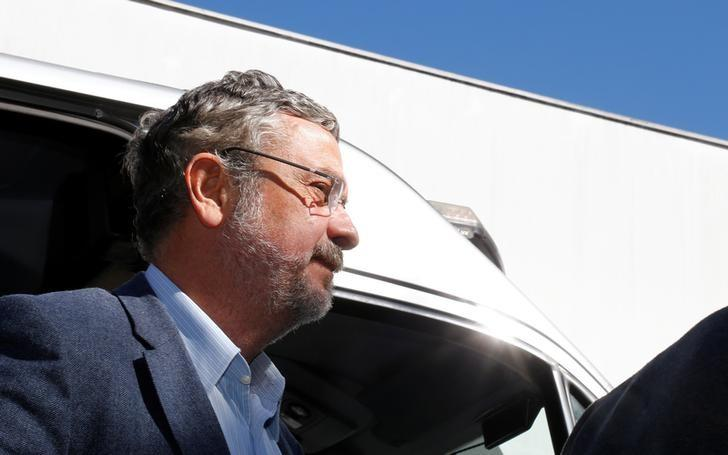 Antonio Palocci, former finance minister and presidential chief of staff in recent Workers Party (PT) governments, arrives at the Institute of Forensic Science in Curitiba, Brazil, September 26, 2016. Credit: Reuters/Rodolfo Buhrer