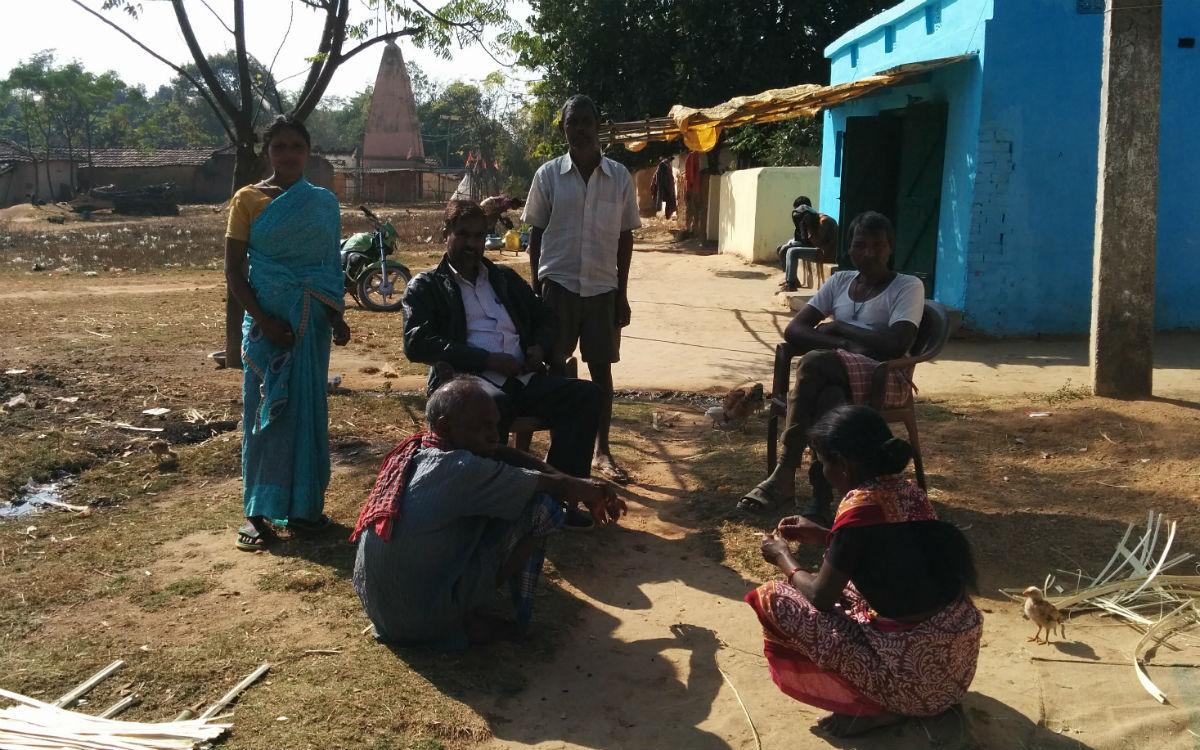 Villagers gather at a village in Jharkhand. Credit: Sambhavna Biswas