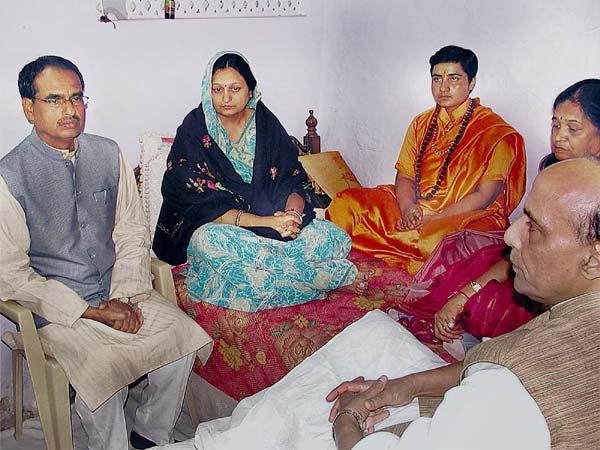 NIA Clears Sadhvi Pragya, RSS Leader Indresh of Involvement in Ajmer Terrorist Bombing