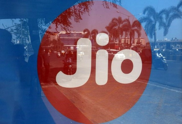 Will Reliance Jio's Gambit to Kill 2G Succeed?